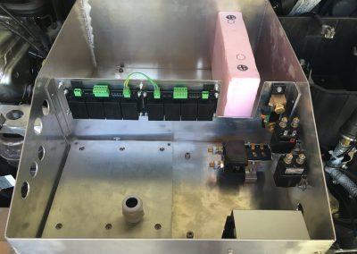 Optimierung der Motorraum-Alu-Kiste (Ausschnitt für Akkus)
